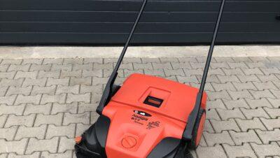 Haaga veegmachine voor loods